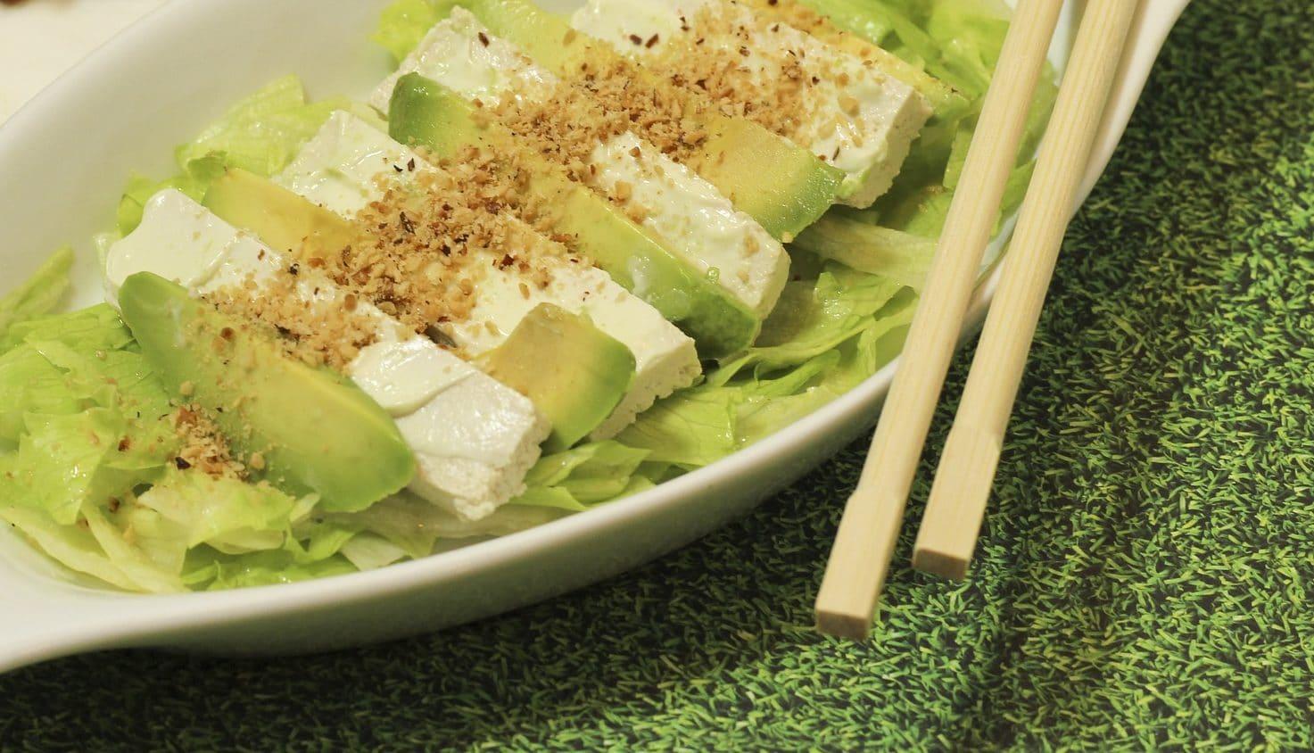Avocado-Feta-Salat