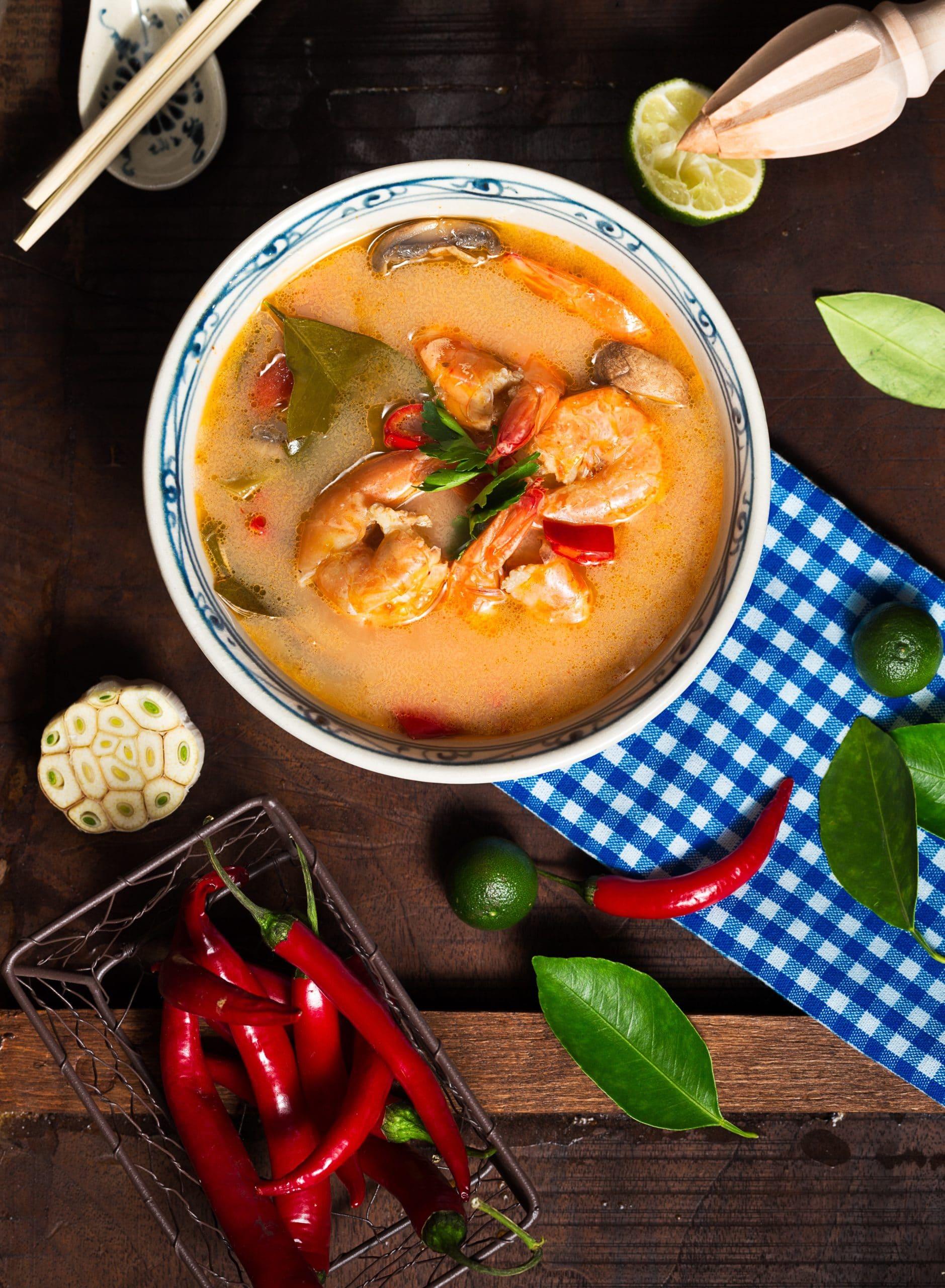 Thai Suppe mit Garnelen und Champignons