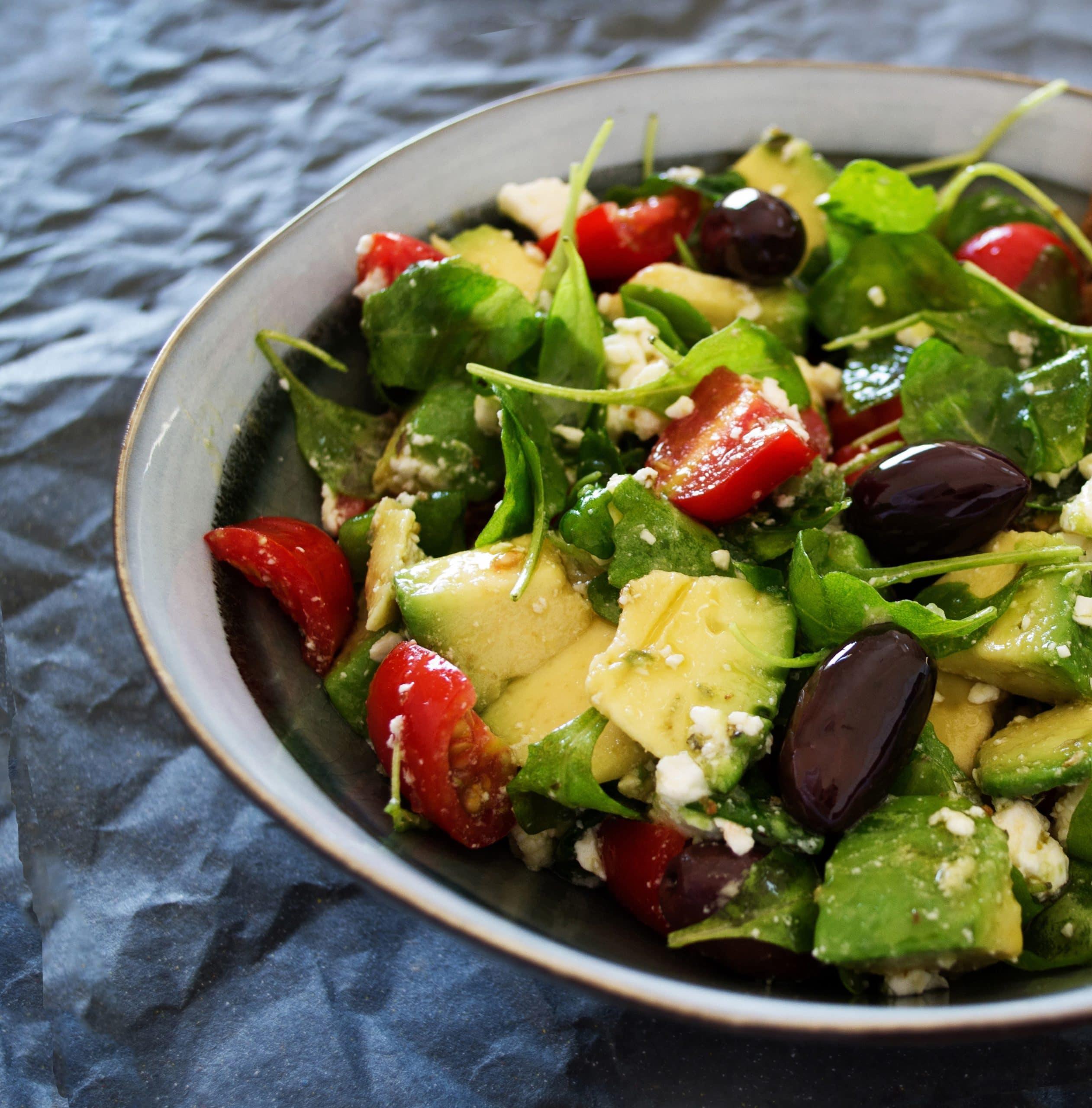 Nüsslisalat mit Avocado